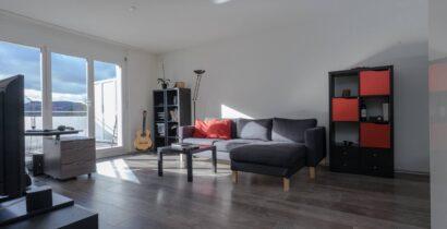 Moderne helle Penthouse-Wohnung, 60 m^2