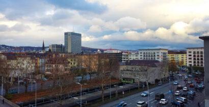 Büroplatz mit Aussicht bei Bahnhof Wiedikon